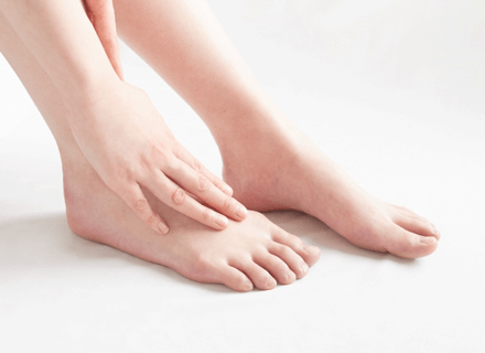 足のウオノメ、タコ、巻き爪