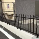 駐車場の柵が完成しました!